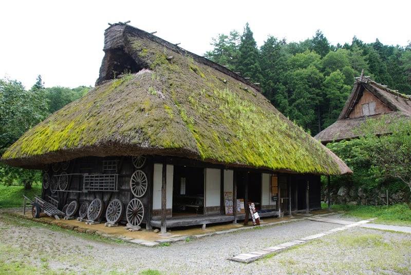 casa dal tetto di paglia a Takayama