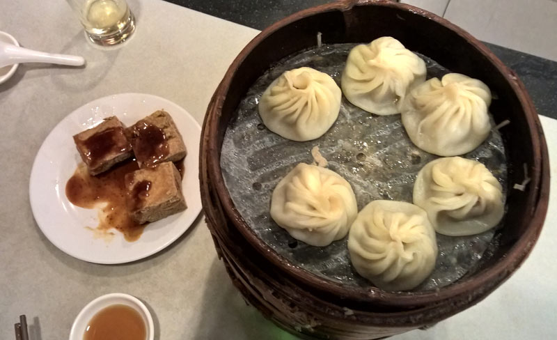 Raviolo al brodo e tofu puzzolente: le delizie di Shanghai