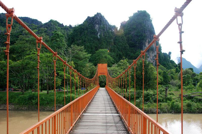 Ponte sospeso a Vang Vieng
