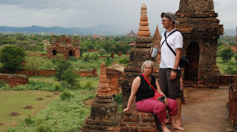 Scalare i templi di Bagan