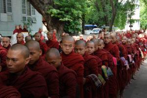 La processione dei monaci