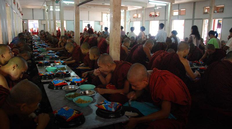 monaci di Mandalay