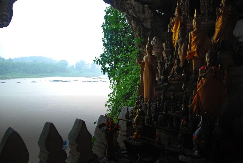 grotte sacre di Pak Ou