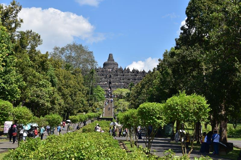 Ingresso al tempio di Borobudur