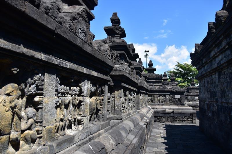 I bassorilievi del tempio di Borobudur