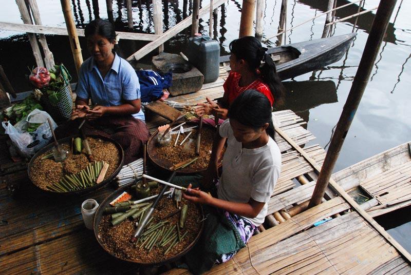 Lavoratrici di sigari artigianali