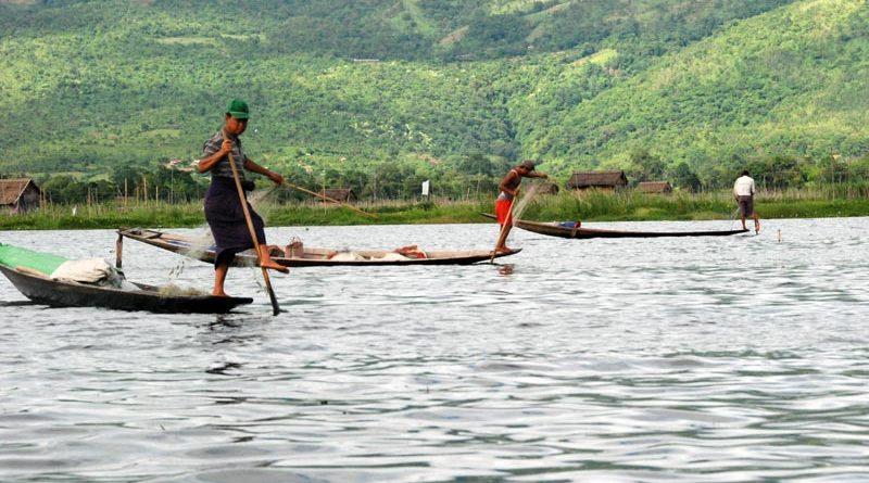 Pesca acrobatica sul lago Inle