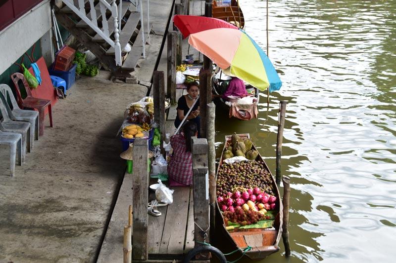 Il mercato galleggiante di Damnoen Saduak