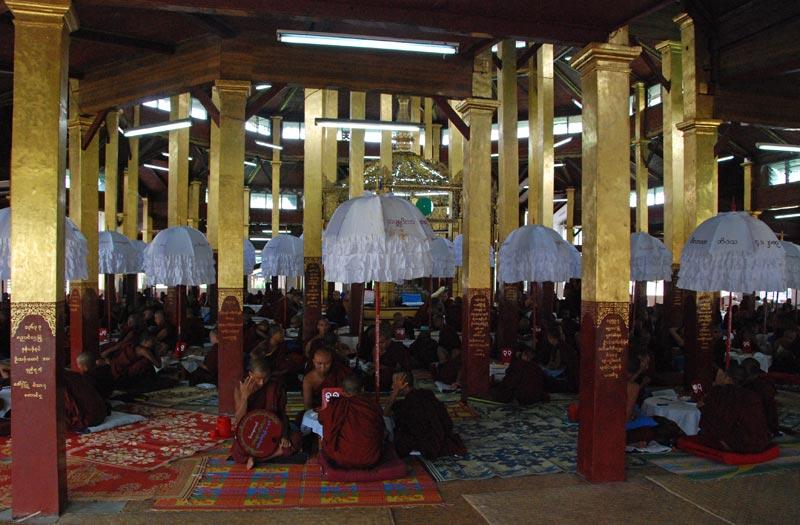 Diventare monaco in Myanmar