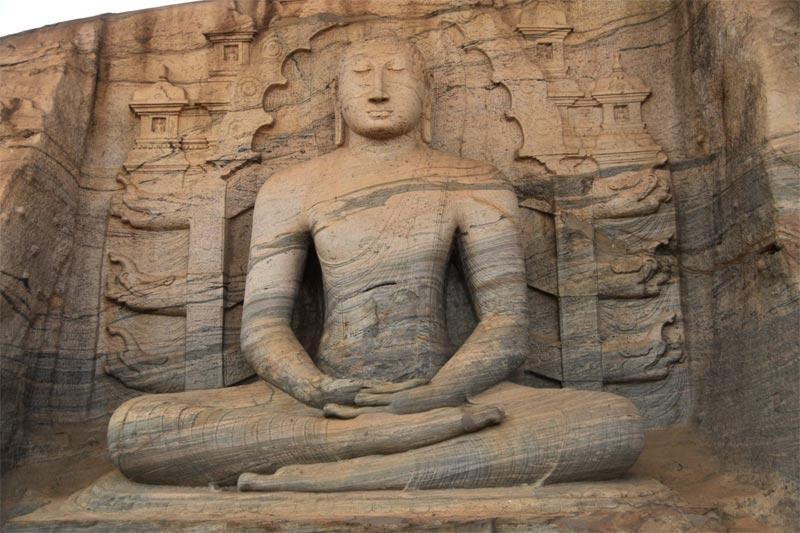 Uno dei Buddha rupestri dei Gal Vihara