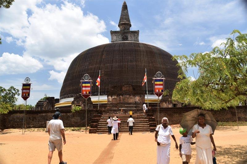Il Rankoth Vehera, stupa tipico di Sri Lanka