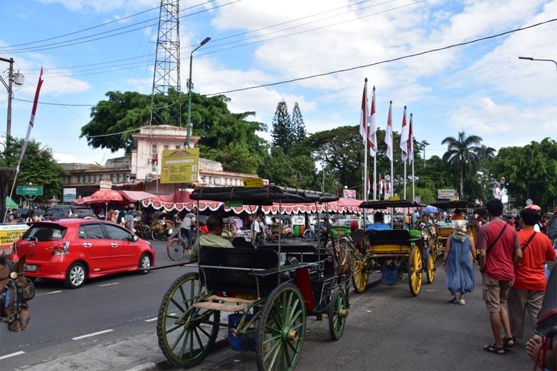 """Le """"andong"""", carattetistiche carrozzelle di Malioboro street"""