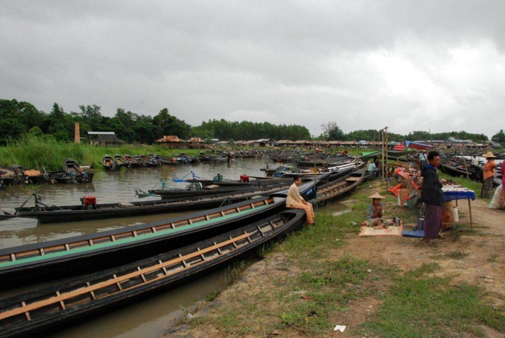 mercato sul lago Inle