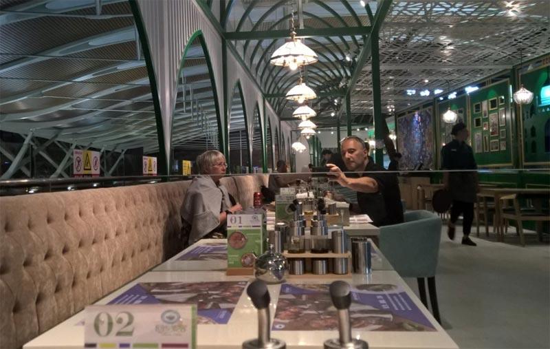 "L'""ultima cena"" a Pudong, a base di specialità turche"