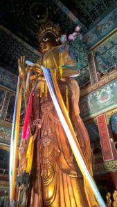 Il grande Buddha di legno di Wanfu